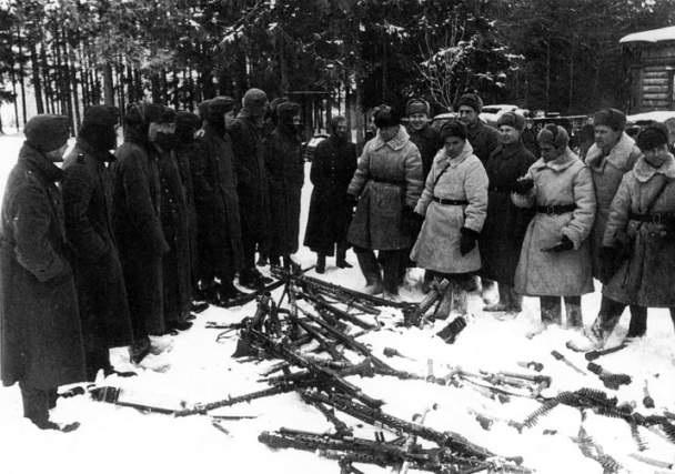 док фильм о бездарном руководстве сталина во время войны